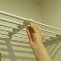 押入れの下段の縦仕切りにも使える!*つっぱり伸縮棚 63-93cm
