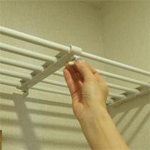押入れの下段の縦仕切りにも使える!*つっぱり伸縮棚 75-120cm