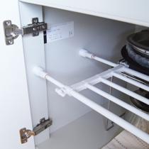 押入れの下段の縦仕切りにも使える!*つっぱり伸縮棚